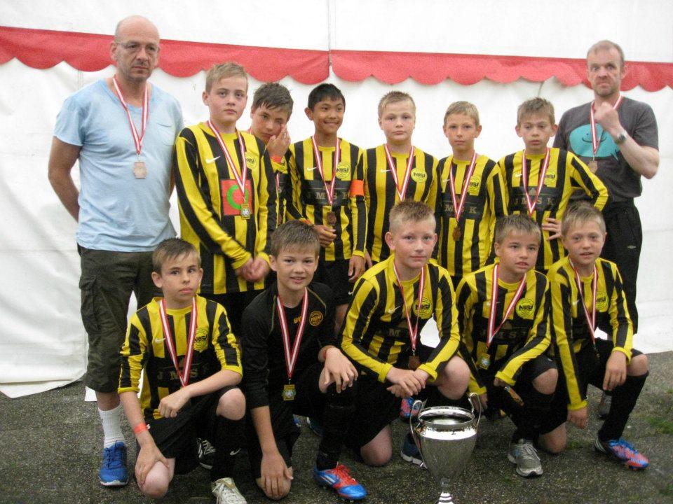 Frálíkt: NSÍ dreingir U-12 vunnu bronsuna á Århus Football Festival