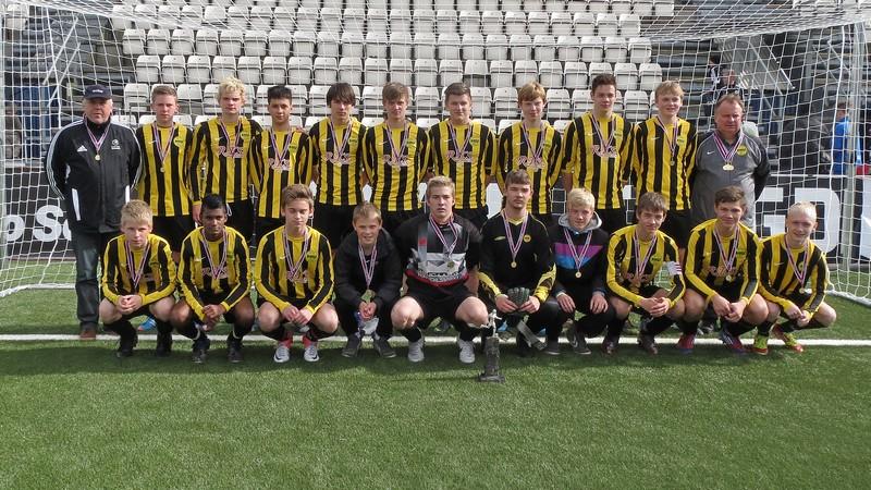 NSÍ dreingir U-16 steypavinnarar 2012: FC Suðuroy- NSÍ: 2-6