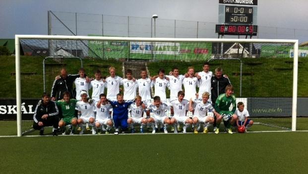 U-17 landsliðið vann á Íslandi eftir brotsparkskapping