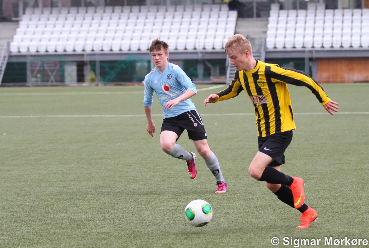 Petur Knudsen debut á effo-liðnum!