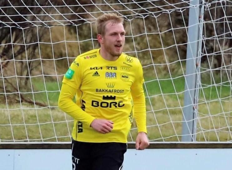 Oddur Højgaard spælir í gulum í 2022!